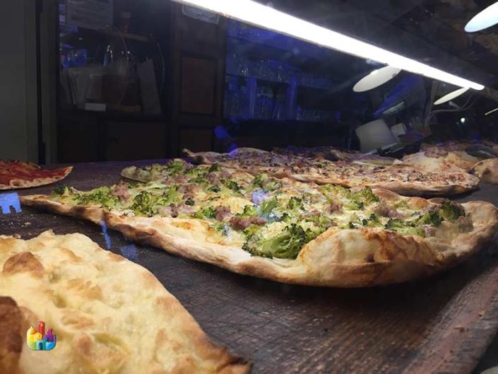 la-vella-pizza-taglio